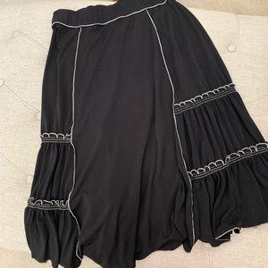 ✅ Studio M black skirt size XS
